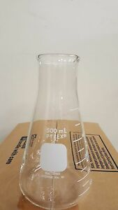 Corning Pyrex Erlenmeyer Flask W heavy Duty Rim
