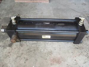 Large Parker Hydraulic Cylinder Series 2h