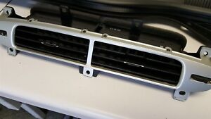 12 15 Camaro Center Dash Vent Assembly Gm Used Nice