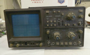 Philips Oscilloscope Model Pm3302 Used Powers Up White Line On Screen