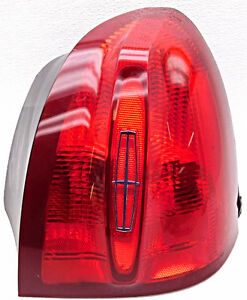 Genuine Oem Lincoln Town Car Right Passenger Tail Lamp Xw1z 13404 Aa