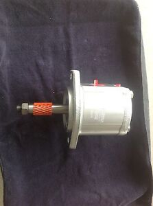 Brand New Tennant Oem Hydraulic Vac Fan Motor Part 1013453