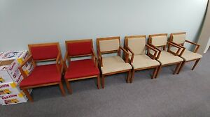 Pre owned Gunlocke Wood Arm Guest Chairs In Excellent Condition 2 Red 4 Beige