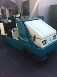 Tennant 6400 Lp Ride On Sweeper Free Shipping