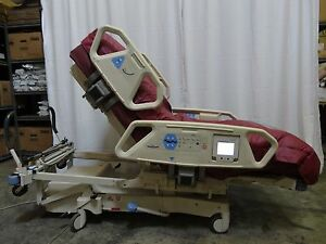 Hill rom Totalcare Spo2rt Hospital Bed Model P1900 W Lal Module 1
