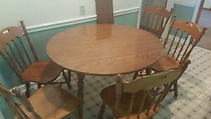 Ethan Allen Heirloom Nutmeg Maple 42 Round Table Chairs W Formica Top 10 6024