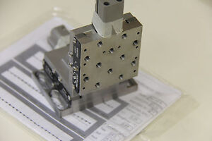 Newport 462 xz m Integrated Crossed roller Bearing Xz Linear Stage Ultralign