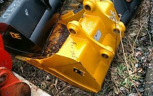 Heavy Duty De Cat 305 24 Excavator Digging Bucket Backhoe 45mm Pins