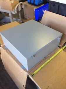 Hubbell B242409ch Wall Mount Junction Box Enclosure 24 X 24 X 9 New 42c