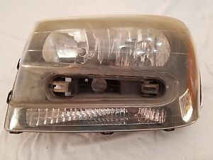2002 2003 2004 2005 2006 2007 2008 2009 Chevy Trail Blazer Left Headlight Oem