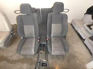 10 16 Dodge Challenger Front Rear Seat Console Black Cloth Power