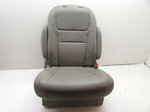2015 Toyota Sienna Seat Second Row Right Gray Lc14 Oem 12 13 14 15 16 17