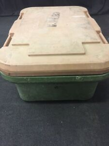 Cambro Camcarrier Food Storage Pan Container Carrier Upcs160 6 Deep 4 See Des