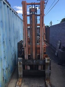 Allis chalmers Lift Truck 8700lbs Cap Forklift Propane