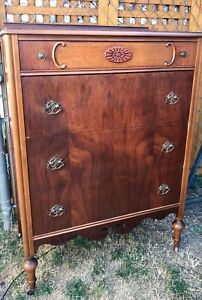 Gorgeous Vintage 4 Drawer Walnut Dresser 1940s