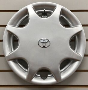New 1992 1996 Toyota Camry 14 Hubcap Wheelcover Factory Original 42621 06010