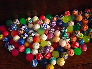 500 Super Bouncy Balls Bulk Toy Vending Gumball Machine 27mm 1 Superballs Fun