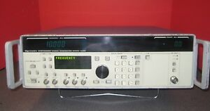 Gigatronics 6100 Synthesized Signal Generator 8104