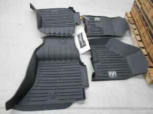 2013 18 Dodge Ram Crew Cab Black Front Rear Rubber Floor Mats Oem 82215583ab