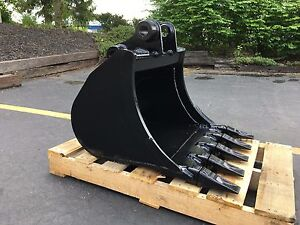 New 24 Heavy Duty Excavator Bucket For A John Deere 35d