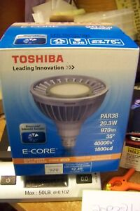Toshiba Ldrb2027we6usd Par 38 Dimmable 970 Lumens 20 Watt Led Light Bulb