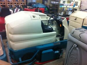 Tennant 7300 ride On Scrubber Max Pro 1200 Cylindrical Used