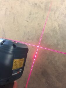 Bosch Laser Level Self leveling Cross line With Clamping Mount Gll2 Professional