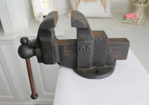Vintage Bench Vise Model 00 Antique Good Jaws Unsure Of Make 18 Lbs Usa