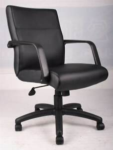 Executive Office Chair In Black With Arms Casters id 10229