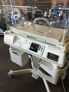Drager Hill rom Air shields Isolette C2000 Infant Incubator C2hs 1