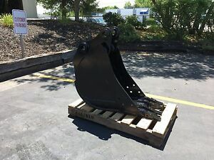 New 16 Heavy Duty Excavator Bucket For A Bobcat 442 With Coupler Pins