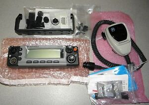 Motorola Xtl5000 05 O5 Control Head With Hmn1090a Microphone Extras New