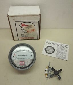 Dwyer Magnehelic Differential Pressure Gauge 2025