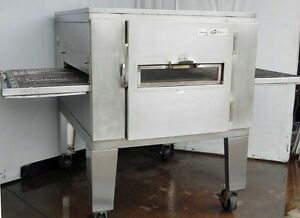 Lincoln Electric Conveyor Pizza Oven Single Deck Model 1022