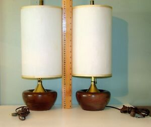 Reduced Vtg Pair Mid Century Danish Modern Walnut Teak Wood Table Bedroom Lamps