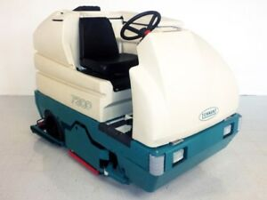 Tennant 7300 ride On Floor Scrubber Used