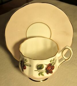 Elizabethan Fine Bone China England Footed Cup Saucer 4585