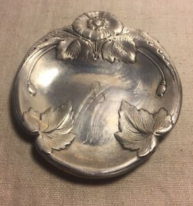 Meriden Britannia International Sterling Silver Art Nouveau Floral Dish