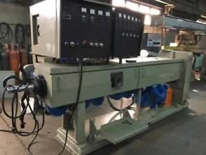 Used Nrm Pacemaker Iii 3 5 32 1 L d Extruder