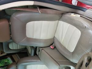 Front Seat Ford Explorer 05