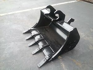 New 30 Excavator Bucket For A John Deere 35 Zts With Zts Coupler