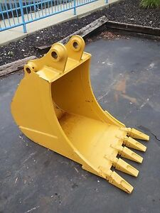 New 24 Caterpillar 307b Excavator Bucket With Pins