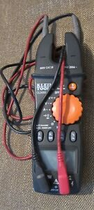 Klein Tools Cl3000 Multimeter 200a Ac Fork Meter Excellent
