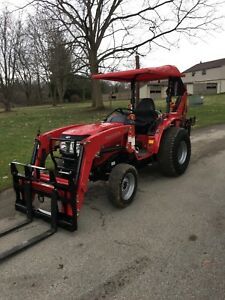 Universal Mahindra Massey Branson 45 w X 60 l Tractor Canopy Red Polyethylene