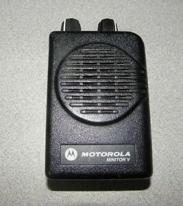 Motorola Minitor V 5 Single Channel Vhf Stored Voice Sv Pager 151 159 Mhz