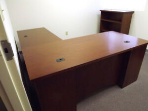 Executive Professional L shaped Office Desk And Book Case Rh By Steelcase
