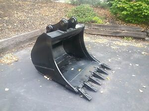 New 36 Excavator Bucket For A Komatsu Pc88 With Coupler Pins