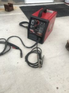 Lincoln Electric Weld Pak 175 Hd 230v Mig Wire Feed Welder