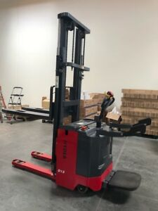 Hyder Forklift Model Htb15 3307 Lbs Capacity Narrow Aisle Electric Forklift