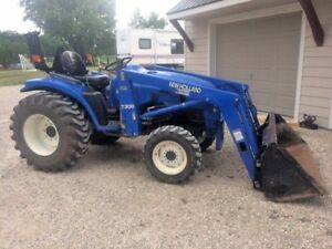 2002 New Holland 4x4 Tractor